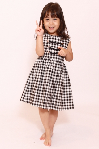Delicate Miliary in Gingham (Little Girl Charm)