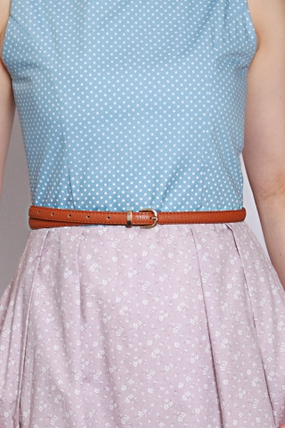 Slim Waist Belt in Brown