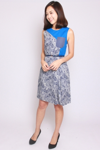 Weis and Blue Dress (Tall)