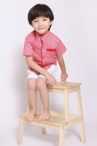Kei in Apple Red Shirt (Little Boy)