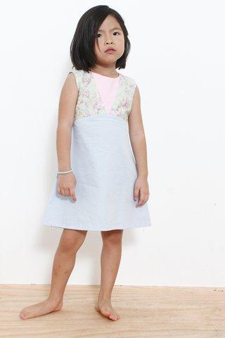 Gwen in Pink (Little Charm Girl)