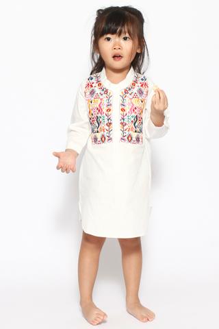 [EW] Cheyenne in White (Little Charm Girl)
