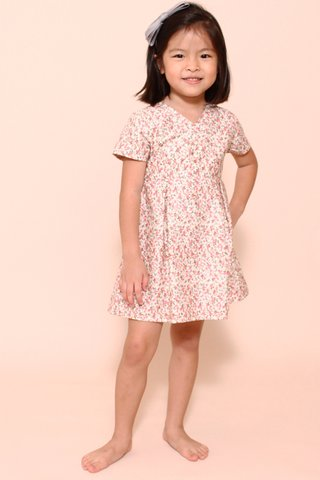 Nellie Play in Sweet Floral (Little Girl Charm)