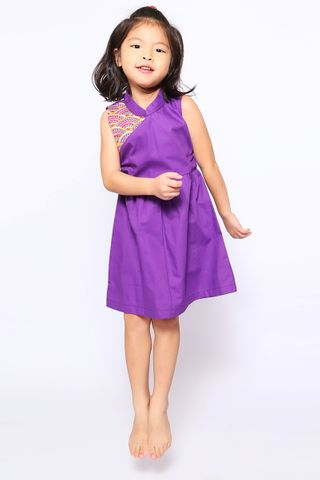 [EW] Hannah Tori in Amethyst (Little Girl Charm)