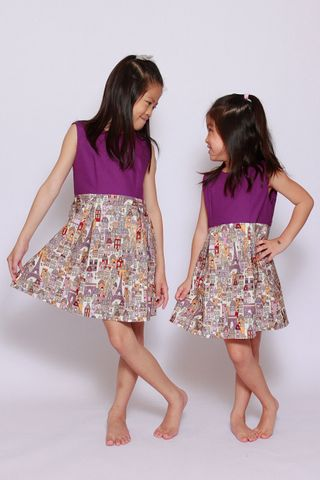 Paris Le Petit Dress (Little Girl Charm)