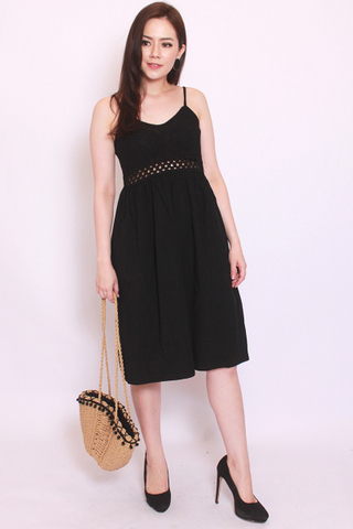 Vignette Crochet Dress in Black