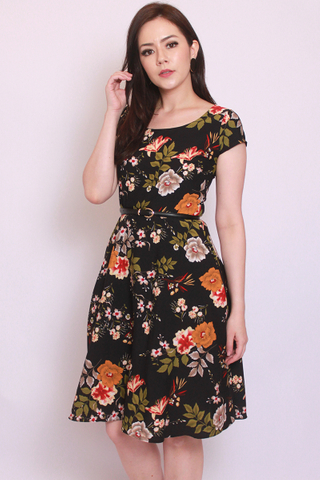 Livolsi Dress in Autumn (Tall) - Easycare