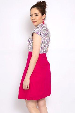 Aude Harriet in Pink