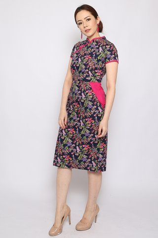 Ling Orient in Pink Floral (Midi)