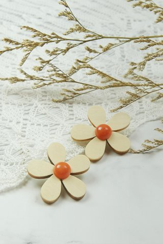 Wooden Flower Earrings in Cream